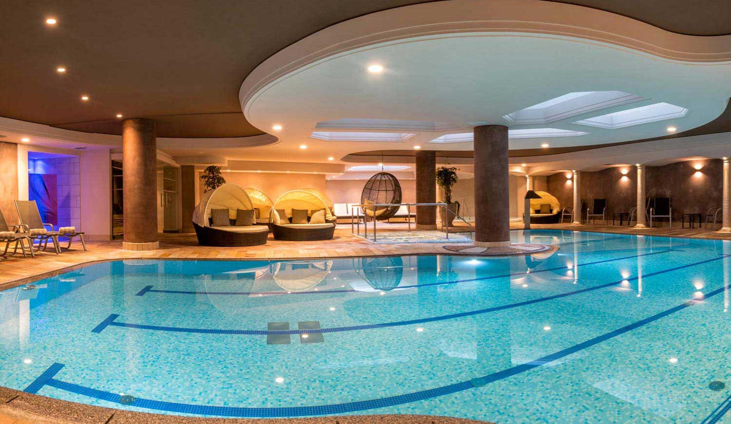 Indoor pool of Hotel Ideal Park