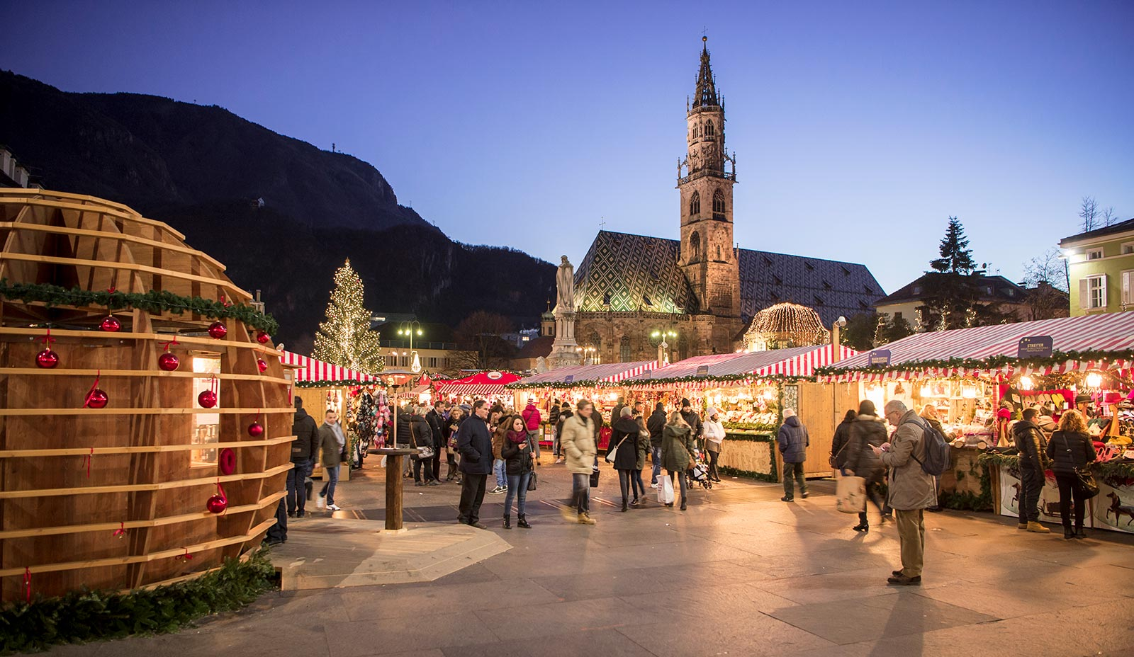Piazza Walther decorated during the Christmas markets